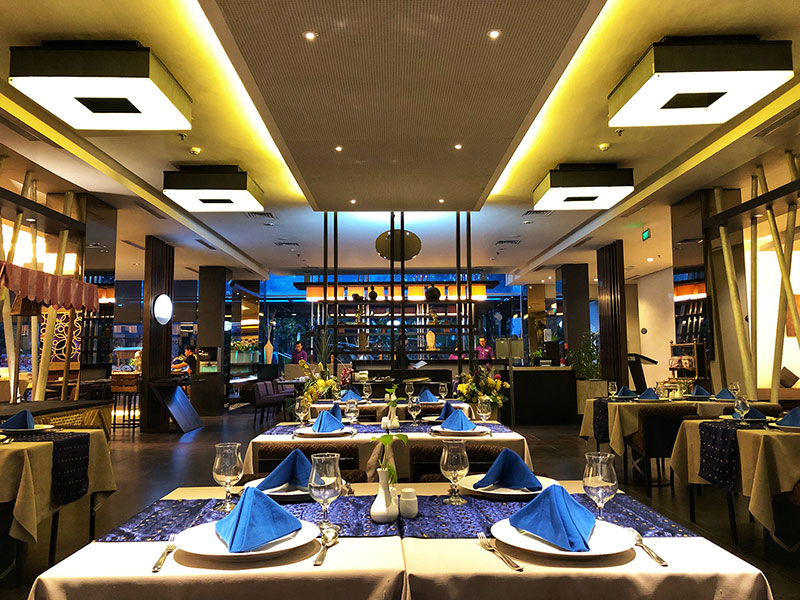 Cham Kaw Restaurant Holiday Inn Bandung Pasteur
